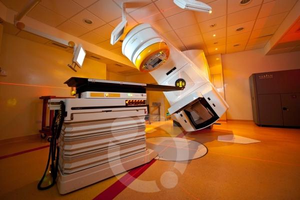 Instituto de Radioterapia – Fundación Marie Curie trata en primicia mundial, al primer paciente con software de planificación avanzado para tumores de columna